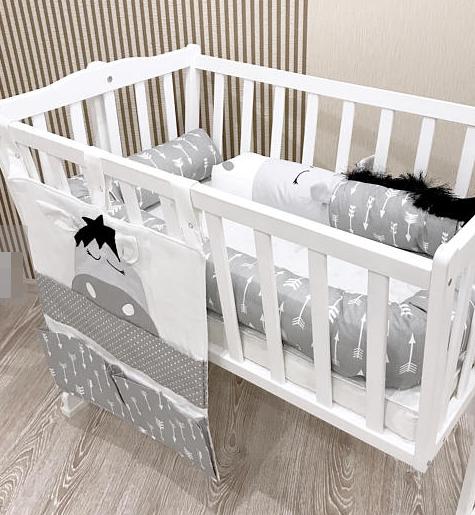 Защита в кроватку - дракончики и органайзер на спинку кроватки