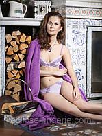Комплект  из эластичного текстильного полотна и вышивки