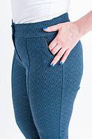 Красивые женские укороченные брюки с геометрией, синего цвета