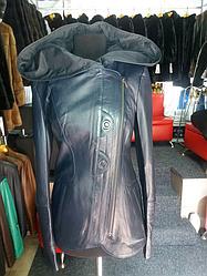 Кожаная куртка косуха с капюшоном