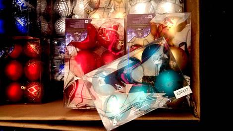 Набор новогодних шаров 6 шт / 8 см.