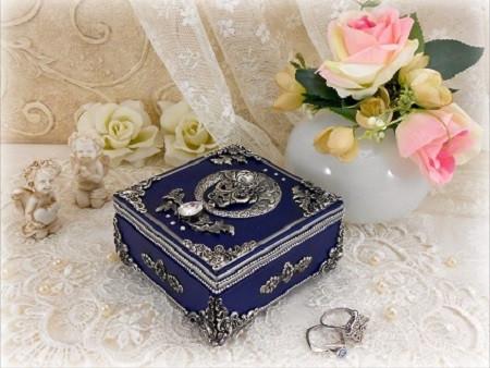 Шкатулки для ювелирных украшений