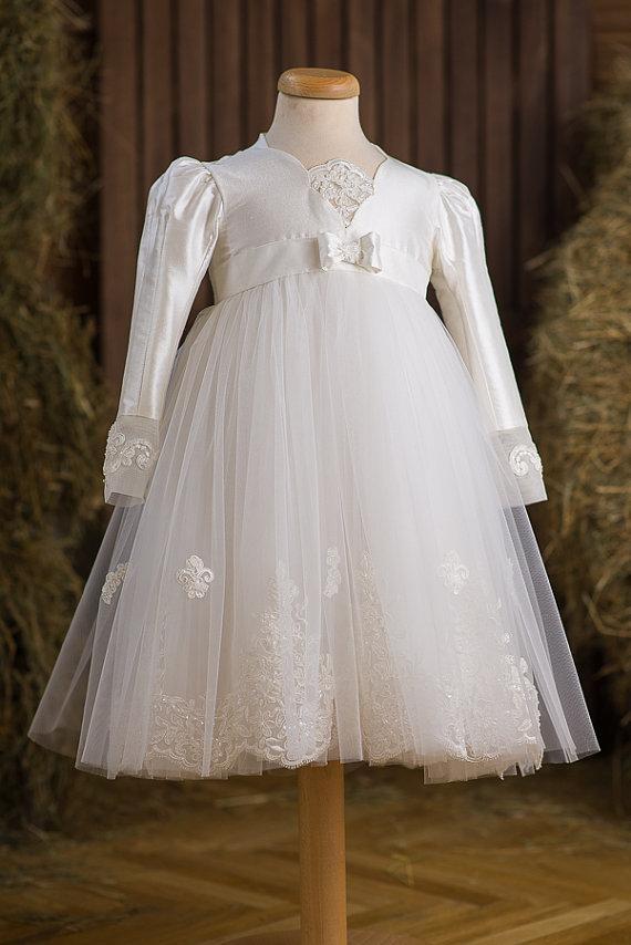 Детское белое платье.