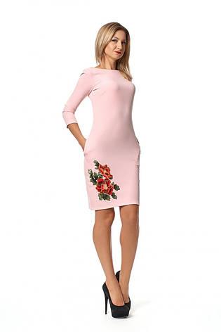 Шикарное приталенное платье - футляр украшено цветами, фото 2