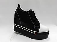 Ботиночки черные на толстой подошве. Сникерсы.