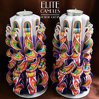 Красивый яркий набор свечей-подсвечников