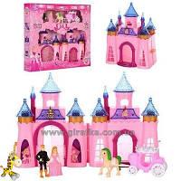 Замок с каретой, мебелью, фигурками