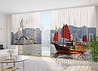 """Фото Шторы в зал """"Алые паруса в городе"""" 2,7м*2,9м (2 полотна по 1,45м), тесьма"""