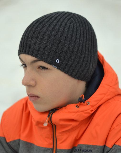 Вязанная шапка для подростка