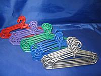 Цветная пластиковая вешалка 41см для верхней одежды
