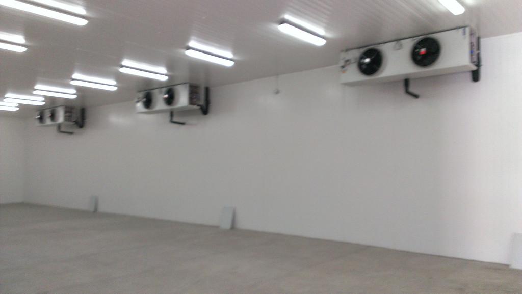 Разработка и монтаж Установки получения ледяной воды мощностью 300 кВт для охлаждения молока, монтаж низкотемпературных (-18 С) холодильных камер площадью 250м2, обычных холодильных камер ( 0 С)  - 19