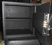 Сейф мебельный СМ-300 П с полочкой
