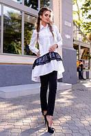 Красивая белая туника с черным кружевом