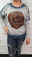 Женский свитер с розой