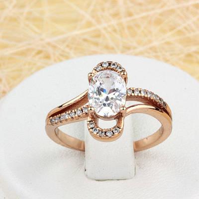 002-1539 - Очаровательное кольцо с прозрачными фианитами розовая позолота, 17 р.