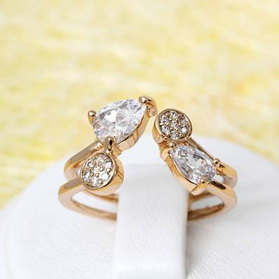 002-2094 - Позолоченное кольцо с прозрачными фианитами, регулируется от 17 до 17.5 р.