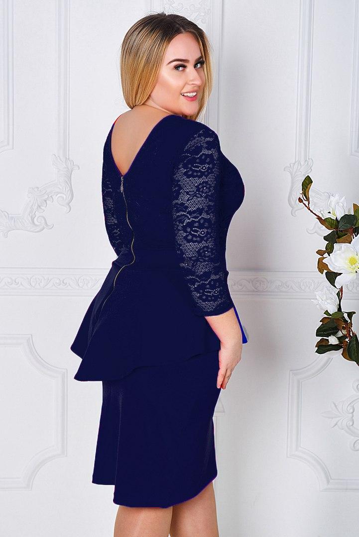 d7dbb6aa626f000 Красивое гипюровое коктейльное платье с баской большие размеры 48-54, фото 1