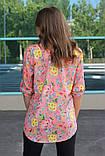 Рубашка женская удлиненная с цветочным принтом (коралл), фото 3