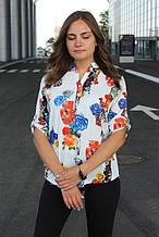 Блузка женская белая с цветочным принтом