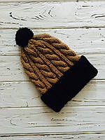 Вязаная зимняя мужская шапка коричневый цвет с помпоном