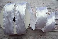 Стрічка атласна 35 мм з ажурним краєм  №01 біла