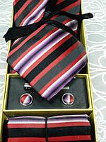 Набор  мужской  галстук,запонки,зажим и платочек в подарочной коробке