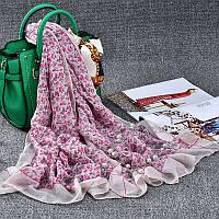 Стильный легкий женский шарф с цветочным принтом розового цвета
