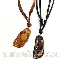 """Подвеска """"Шлёпанец"""" на кожаном шнурке с регулятором длины в коричневом и черном цветах"""