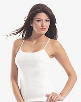 Модная белая женская майка фирмы Oztas