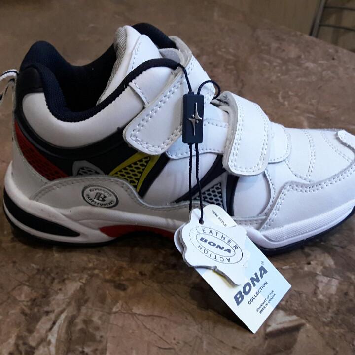 Детские стильные кроссовки для мальчика Bona