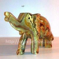 Слон из натуральных камней оникса