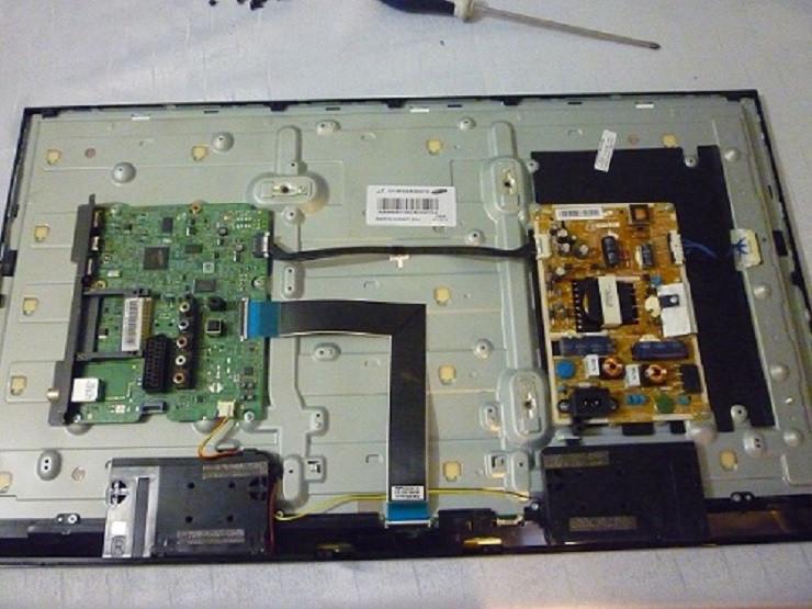 Платы от LED TV Samsung  UE32F4000AWXUA поблочно, в комплекте (матрица разбита).