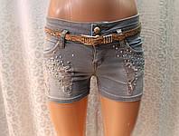 Короткие женские шорты с декором