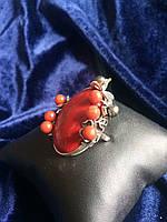 Кольцо с натуральным камнем Кораллом и жемчугом