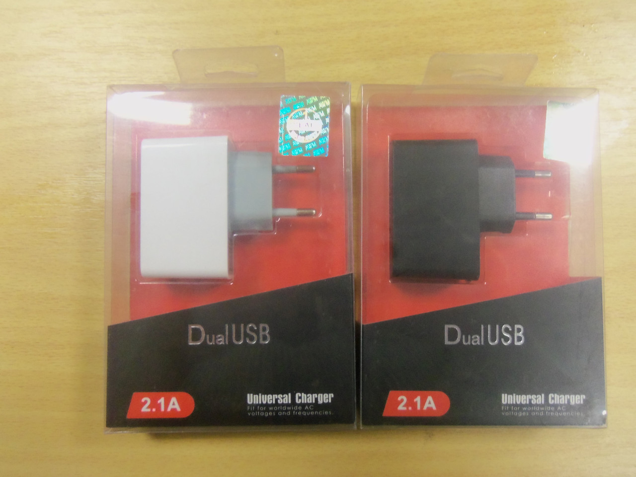 ЗАРЯДНИЙ ПРИСТРІЙ AWM 2 USB для телефонів і планшетів