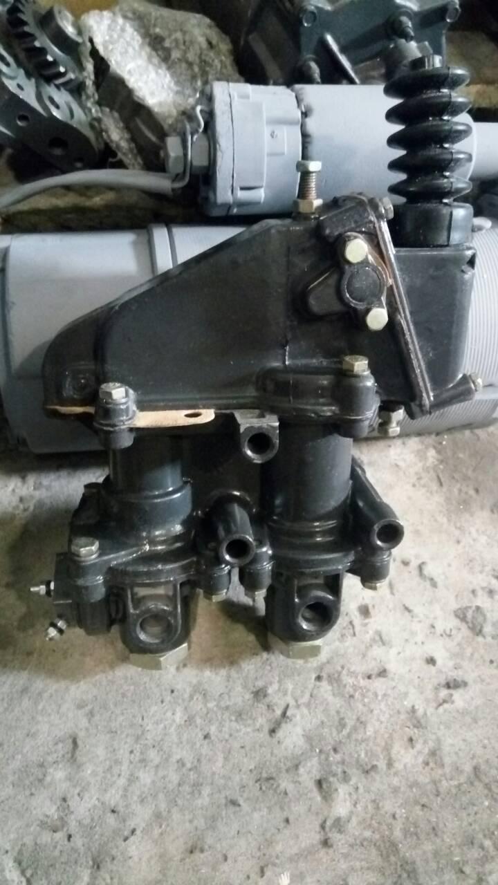 Тормозной кран Т-150 К 130-3514010-Б
