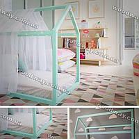 Кровать-дом из натурального дерева
