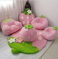 Набор мягкой мебели в детскую.