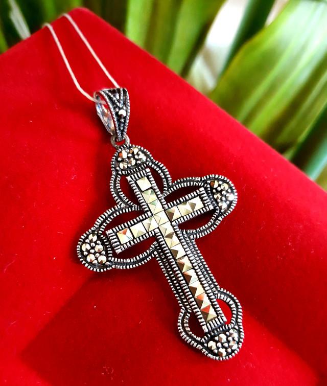 Серебряный крестик с марказитами. Капельное серебро фото 1
