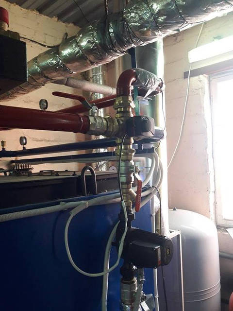 """Установка пеллетных котлов """"BEETERM"""" серии Р-Р 150, с механической очисткой. Обвязка через четырехходовой клапан с сервоприводом.Объект... 1"""