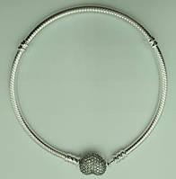 Браслет Pandora (Пандора) - серебряное украшение на руку (основа), серебро 925 в футляре Сердце с камнями