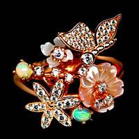 Серебряное кольцо с перламутром и эфиопскими опалами в розовой позолоте Размер 18.5