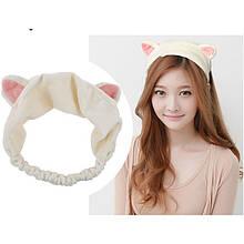 Белая повязка с ушками кошки из мягкой ткани