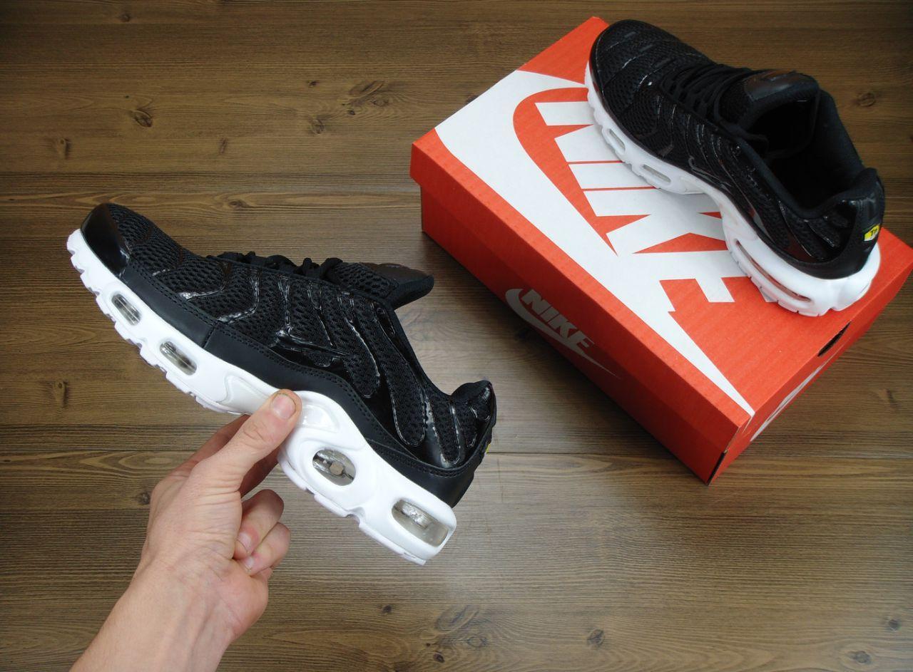 86d12495 Мужские кроссовки Nike Air Max Tn Plus Black/White