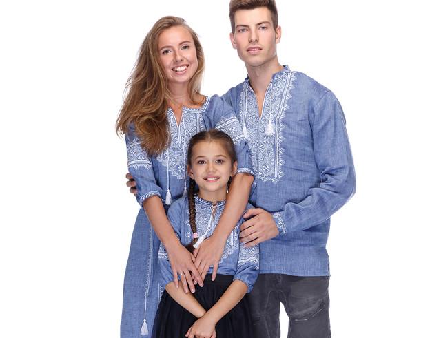 Сімейні комплекти вишиванок