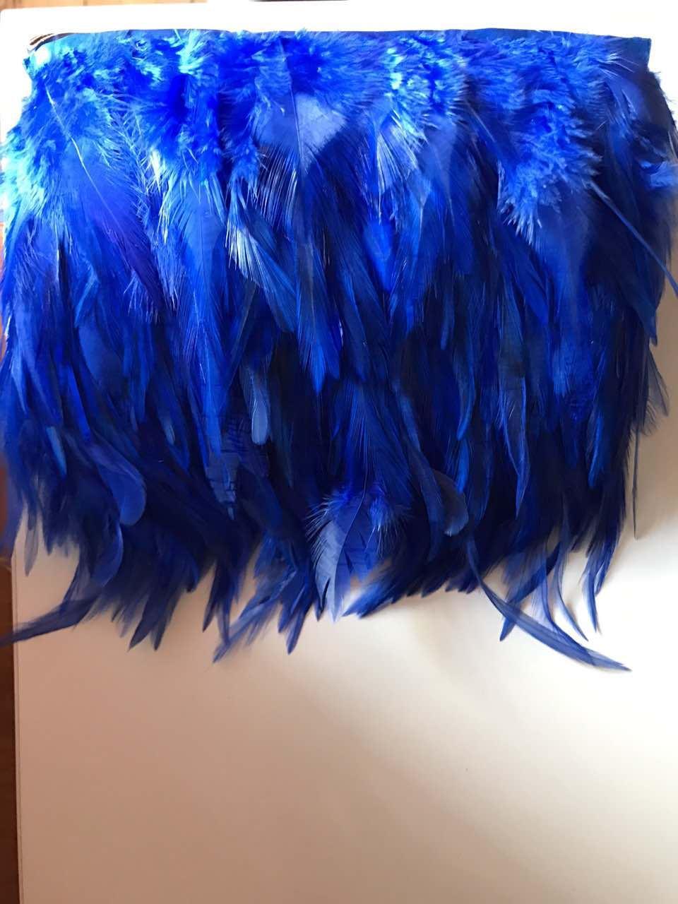 Перьевая тесьма из перьев петуха.Цвет на синий.Цена за 0,5м