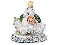 Статуэтка Девушка с шляпкой 24 см фарфор Италия