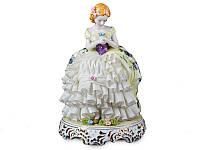Статуэтка Девушка с цветком высота 25 см фарфор Италия