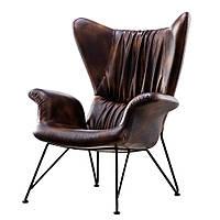 Кожаное кресло  с подлокотниками