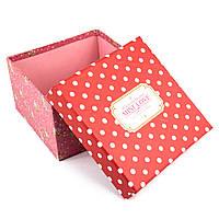 Подарочная коробочка красная в белый горошек 13 x 13 x 7.5 см